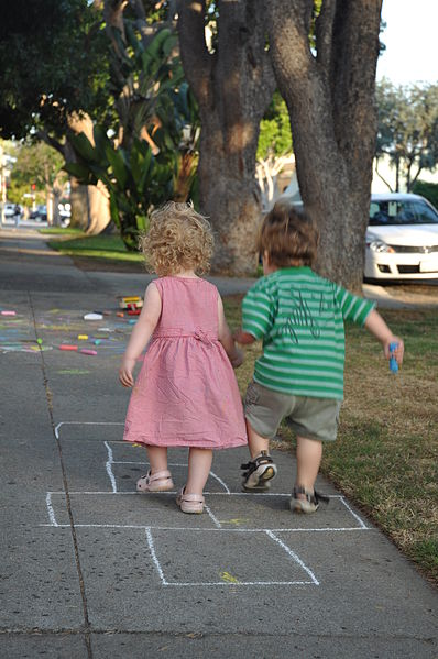 Toddler_hopscotch